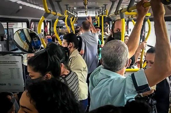 ônibus lotado em Blumenau