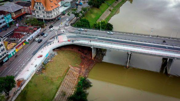 Ponte Adolfo Konder